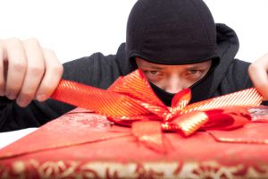 holiday-theft-300x200
